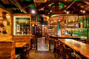 Kickstart your weekend with these top 10 bars in Delhi! 5