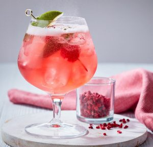 4 All-time favorite gin cocktails to help you beat the summer heat! 3