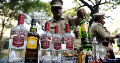 Gang of 4 smuggling alcohol arrested 1