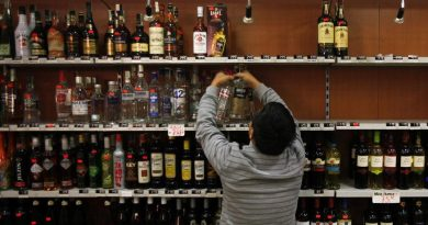 Liquor shops to be reopened in Green Zones maintaining social distance. 4