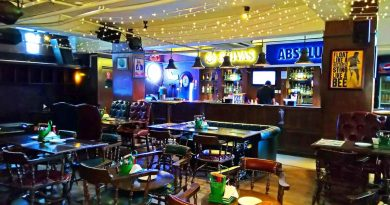 """Hops n Grains bar in Chnadigarh with seating area"">"