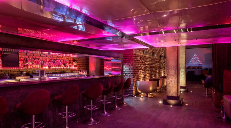 """""""Roxy bar in Kolkata with seating area."""">"""