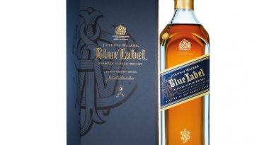"""johnnie walker blue label whisky"">"