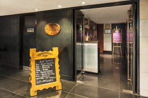 Best bars/pubs to visit in Kolkata 3