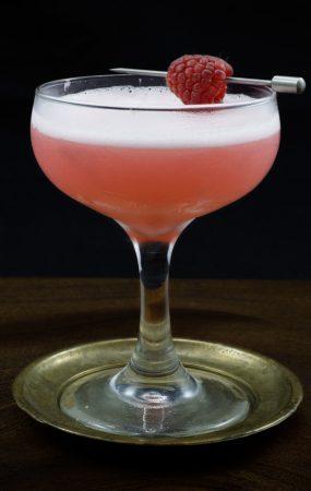 Classic clover club cocktail recipe 7