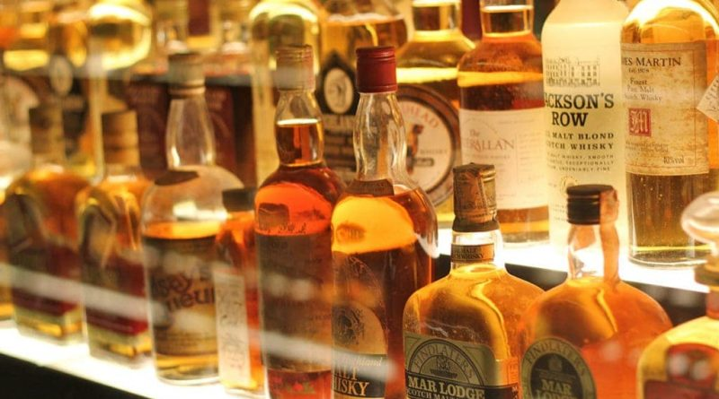 3 must try whiskies under 4000 rupees 1